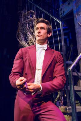 oliver-savile-fiyero_photo-by-matt-crockett_5401_rt_sm_1