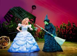 suzie-mathers-glinda-rachel-tucker-elphaba_photo-by-matt-crockett_5615_comp_rt_sm
